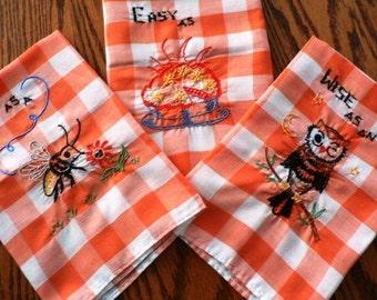 Vintage linen ...  hand embriodery set of 3 GINGHAM TEA TOWELS  ...