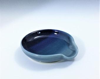 Blue Spoon Rest, Porcelain Spoon Rest, Ombré Spoon Rest, Pottery Spoon Holder, Ceramic Spoon Rest, Wheel Thrown Pottery Spoon Rest