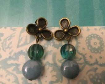 Vintage Style Montana Blue earrings