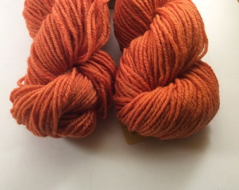 Skein of wool BROGNA solid naturally with MADDER