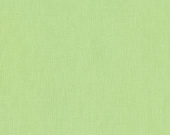 Kona Cotton in Honey Dew - Robert Kaufman (K001-21)