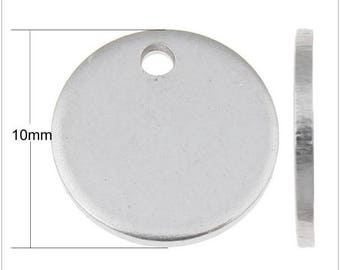 1 Medal 10 mm stainless steel with your engraving on the front included