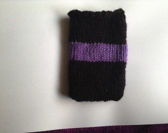 Knit Smartphone Cozy: Black and Purple