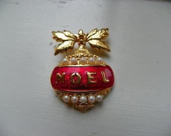 Avon Noel Pendant