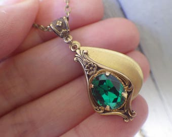 Art Nouveau ~ Emerald Green ~ Locket Necklace ~ Vintage Locket ~ Small ~ Hunter Green ~ May Birthstone ~ by LadyofTheLakeJewels