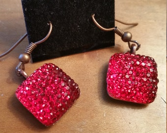Glamour Glitter rouges ou roses Boucles d'oreilles Boucles d'oreilles de ton bijou Base de cuivre