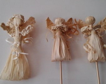 Amulet-angel weaving from maize