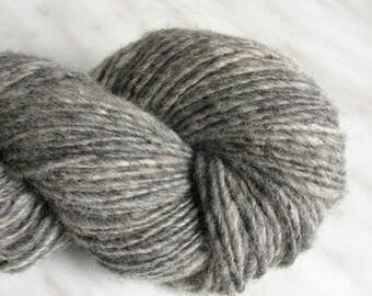 Wool knitting yarn 3  oz 170y 21 mc / 92 g 154 m light gray single handspun yarn traditional yarn weaving fine sport yarn