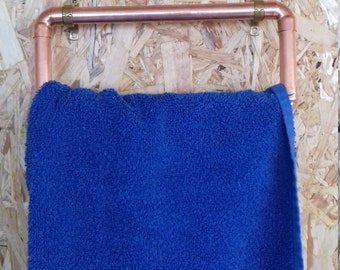 Handmade copper pipe towel holder including brackets