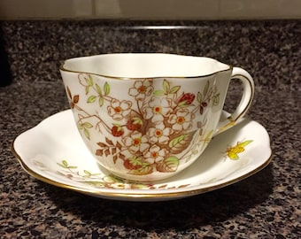 Taylor & Kent England Strawberry Flower Bee Teacup and Saucer / Vintage 1930s English Teacup