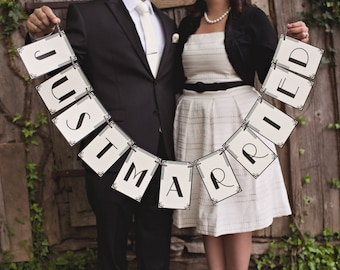 Art Deco Banner: Just Married