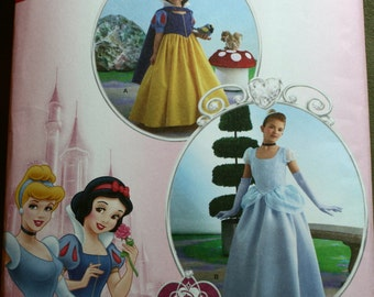 Simplicity 2817 Disney Princess, Snow White Sewing costume New/Uncut Size:,8,10,12,14