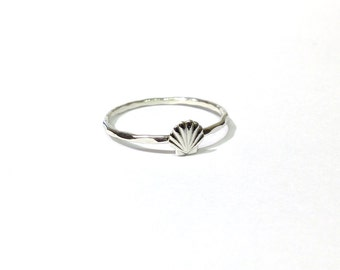 Seashell ring - Sterling silver seashell ring - stacking ring - knuckle ring - midi ring