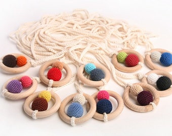 SNOWMEN BUDDIES .. Mommy / Teething Necklaces.. Choose your color.. :)