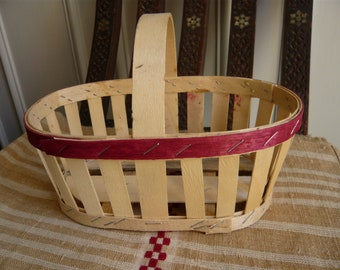 Strawberry basket natural rustic poplar wood  green rim 1970 assembled with staples typical from Paris area home decor kitchen decor rustic