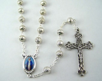 Our Lady of Grace Rosary with Metal Rose Beads (01)