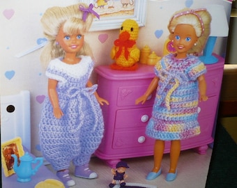 1/2 Price -Annie's Fashion Doll Crochet Club - Best Friends - 1996