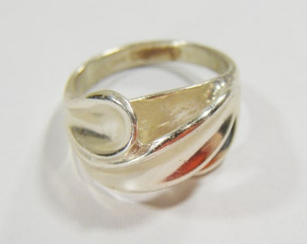 Vintage CELLINI Sterling Silver Ring Size 6