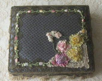Antique 1920's French Metallic Lace & Ribbonwork Boudoir, Vanity or Candy Box