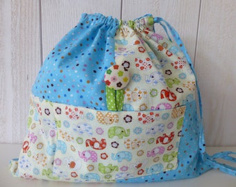 Bag child quilt with elephants and multicolored polka dots