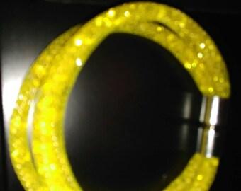 Bracelet résille jaune