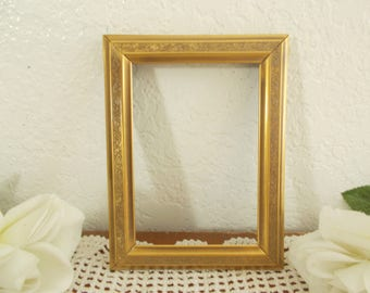 Vintage Gold Metal Picture Frame 3.5 x 5 Photo Decoration Midcentury Hollywood Regency Retro Bungalow Home Decor Wedding Memory Gift Him Her