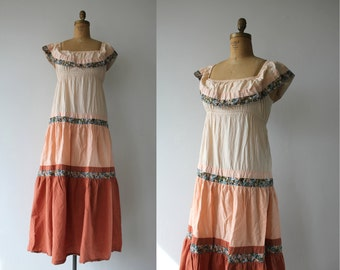 1970s vintage maxi dress / 70s tiered maxi dress / 70s festival dress / hippie dress / 70s boho maxi dress / off the shoulders dress / M L