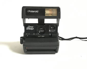 vintage POLAROID camera 1990s SUN 600 tested and in perfect condition