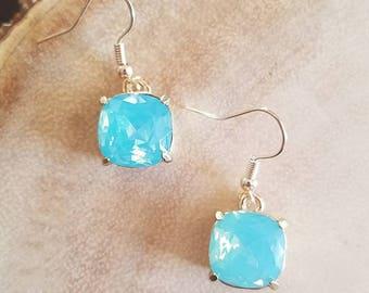 Turquoise gem dangle earrings