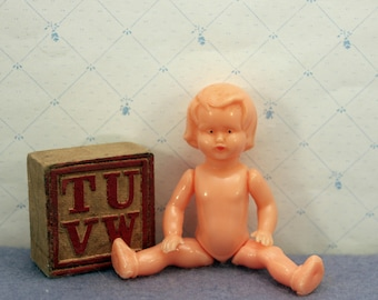 Hard Plastic Doll Dollhouse Toy Movable Arms Legs 3 inch Naked 1950s T