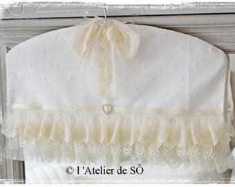 Decorative shabby chic lace hanger