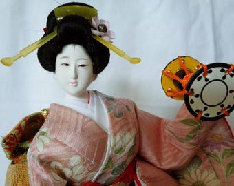 1121:Kyoto GEISHA,Japanese Gofun Artistic  Doll in traditional Kimono,Glass Eyes,Sukiyo Customized,Lacquer Base,signed,Handcrafted in Japan