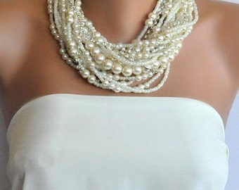 Pearl Wedding Necklace, Ivory Pearl Bridal Jewelry, Vintage Inspired Bridal Necklace, Wedding Jewellery,Chunky Bold Necklace,Brides Pearls