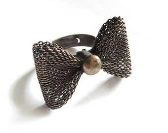 Antique Brass Bow Adjustable Ring