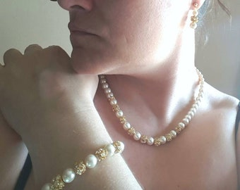 Ivory or white pearl and gold jewelry set