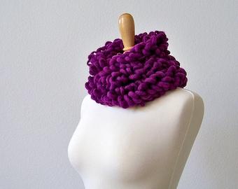 Valentines Scarf, Chunky Crochet Scarf Crochet Scarf, Purple Scarf, Crochet Chunky Scarf, Womens Scarf, Wool Scarf, Loop Scarf Magenta Scarf