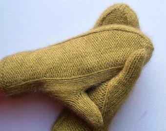 Warm elegant mittens from a sumptuous merino wool, mustard yellow