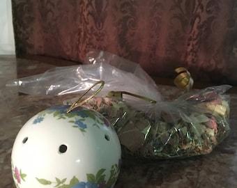 Happy Potpourri and Vintage Pomander