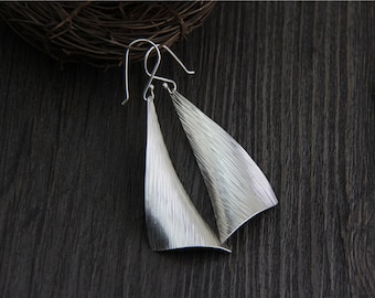 S925 sterling silver Retro exaggerated earrings