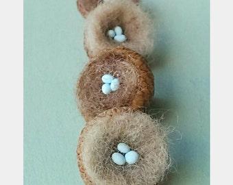 ONE Miniature Robin Nest in Acorn Lid Cap Felted Wool Birder Gift Birthday Miniature Clay Eggs Christmas Fall Decor Decoration Bird Birds