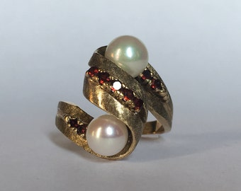 Vintage Pearl and Garnet Ring set in 10K Yellow Gold. Estate Fine Jewelry. June Birthstone. 4th Anniversary Gift. Unique Engagement Ring.