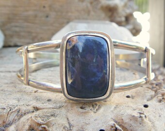 Sodalite and sterling silver cuff bracelet // size 7 - S/M // Metaphysical // sodalite jewelry // silver jewelry