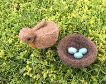 Needle Felted Robin With Nest And Eggs