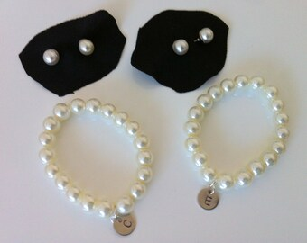 6 Pearl Bridesmaid Initial Bracelets with Stud Earrings Sets as Bridesmai Gifts