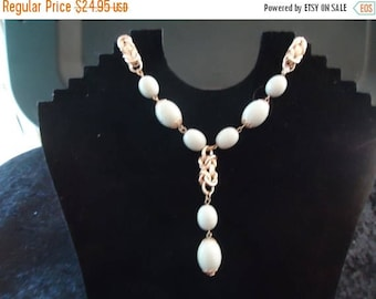 ON SALE Vintage Blue Necklace Retro Collectible Costume Jewelry