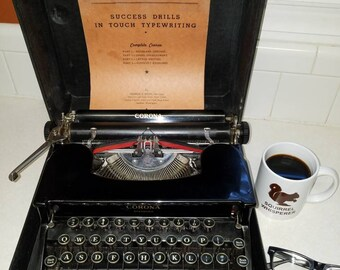 Beautiful Glossy Black Vintage Antique Typewriter Made By Smith Corona Flat Top Standard Working 1930s