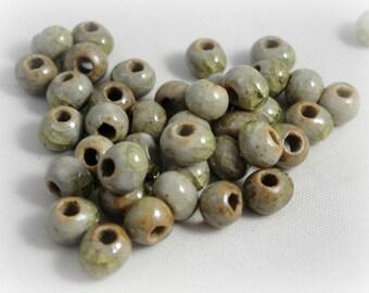 20 ceramics beads 6 mm : green drops