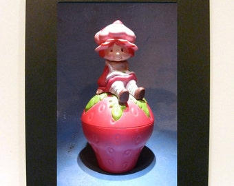 "Framed Strawberry Shortcake Toy Photograph 5"" x 7"""