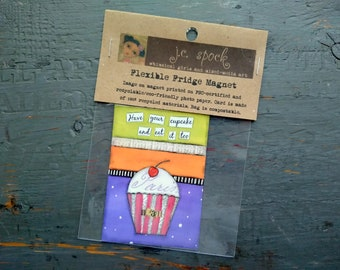 """VENTE!  Art Magnet, aimant Flexible, aimant frigo, lunatique cupcake, cupcake art, 2.5 """"x 3,5"""", Magnet Cupcake, «Avoir votre cupcake»"""