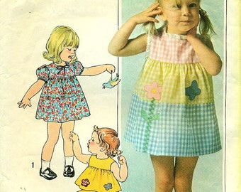 Simplicity 7988 Toddler Size 1/2 TIERED DRESS w/ APPLIQUE, Top and Pants 1970s  circa 1977
